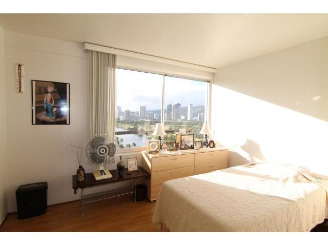 Fairway Manor 2465 Ala Wai Boulevard  Unit 1204