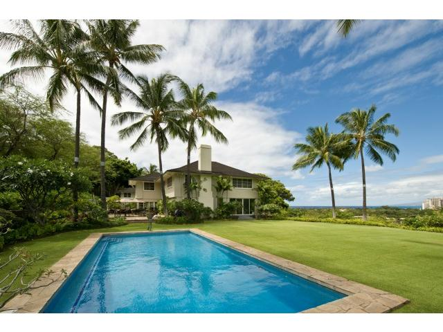 3735 Diamond Head Circle