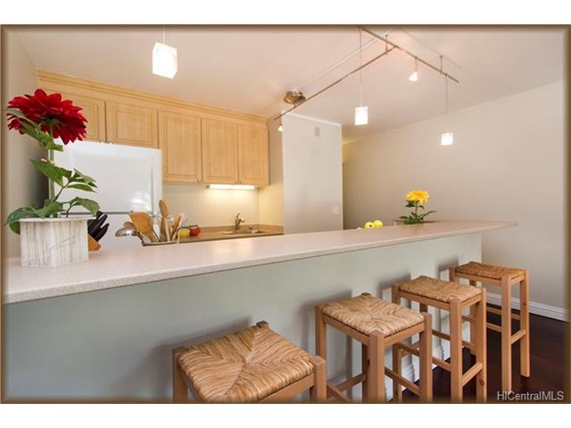 Diamond Head @ Pualei Cir 3030 Pualei Circle  Unit 210