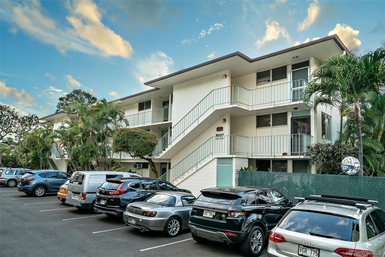 Diamond Head Alii Corp 3027 Pualei Circle  Unit 208
