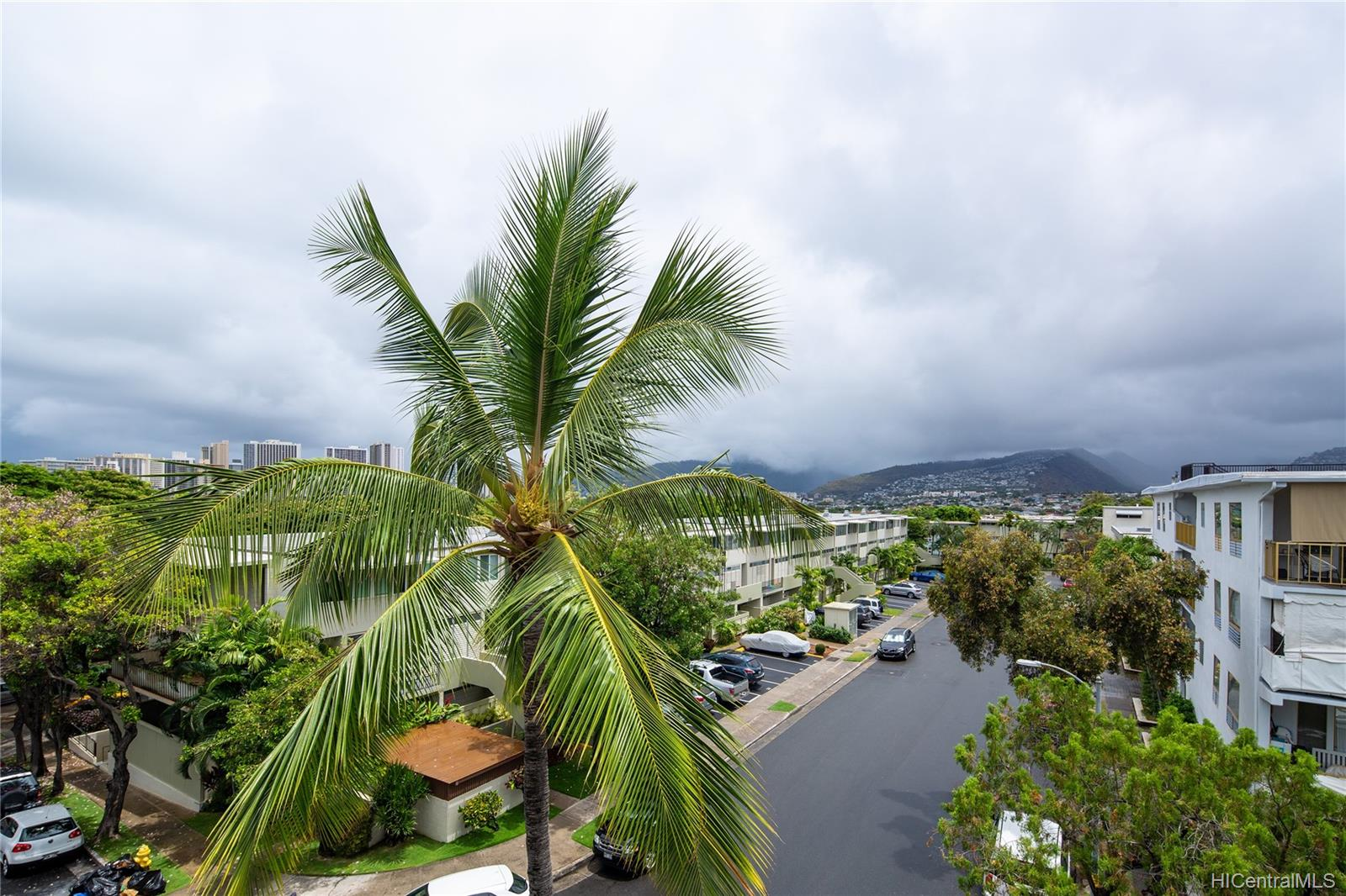 Diamond Head Plaza 3061 Pualei Circle  Unit 303