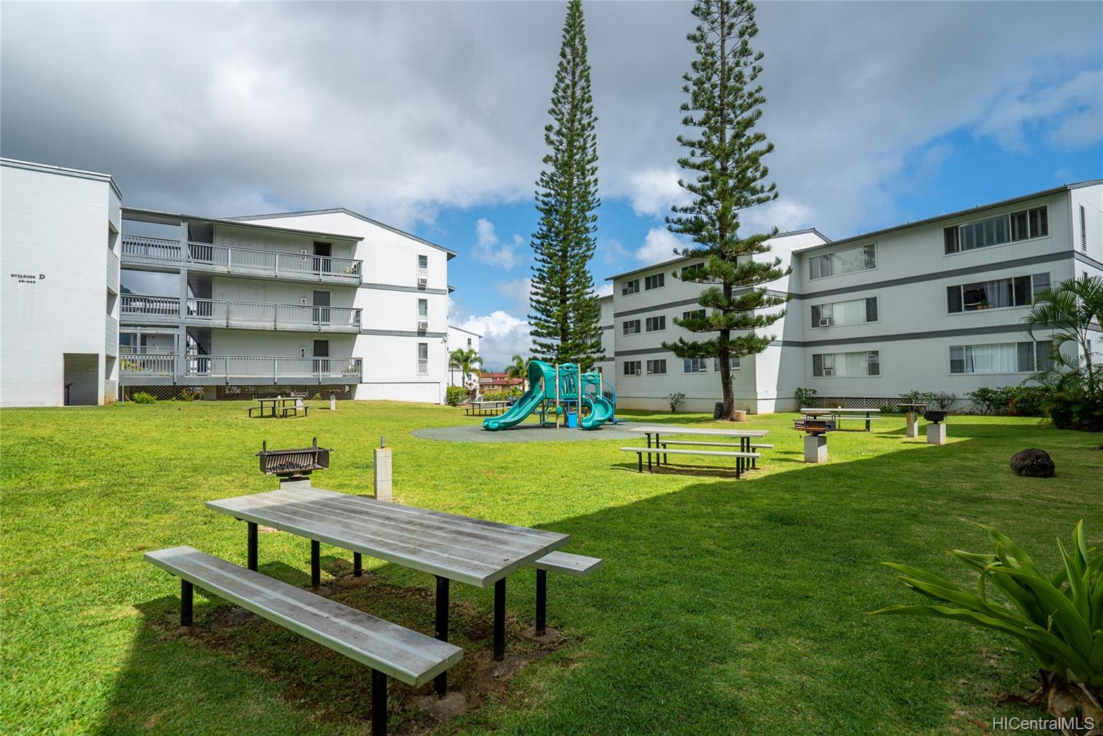 Windward Acres 46-263 Kahuhipa Street  Unit B309
