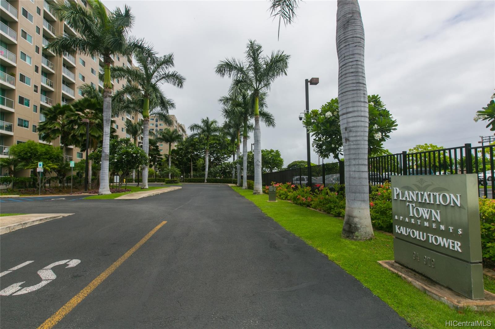 Plantation Town Apartments 94-979 Kauolu Place  Unit 204
