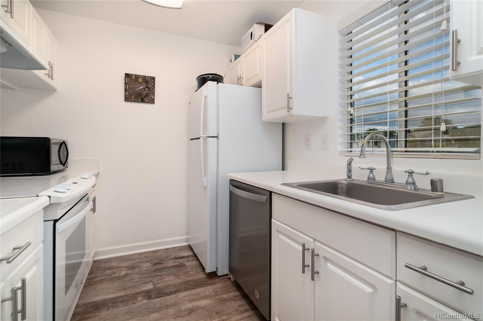 Village On The Green 1b 94-710 Lumiauau Street  Unit MM201
