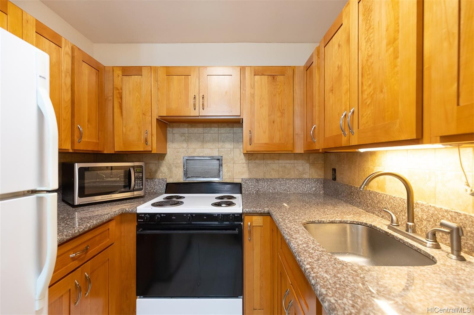 Woodwinds 1600 Wilikina Drive  Unit B-709