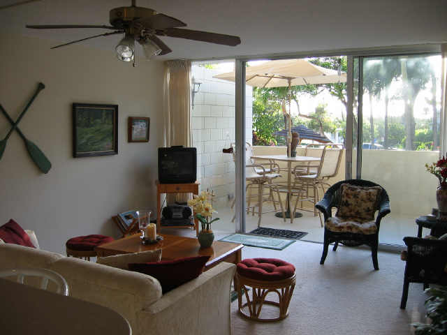 Diamond Head @ Pualei Cir 3030 Pualei Circle  Unit 109