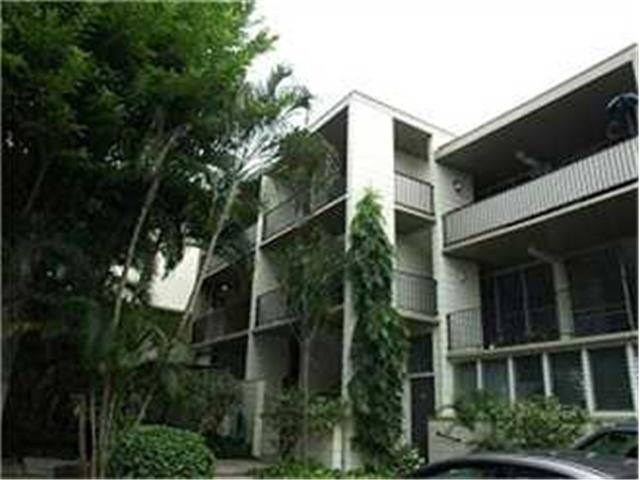 Diamond Head @ Pualei Cir 3103 Pualei Circle  Unit 304